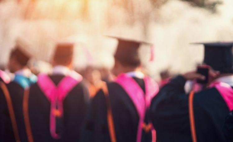 Markeer het afscheid van de klas van 2021 met deze examencadeaus