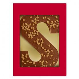 Chocoladeletter S melk karamel-zeezout