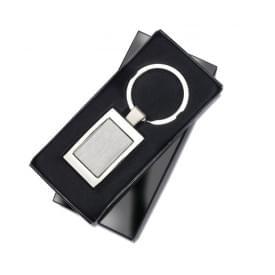 Luxe metalen sleutelhanger in geschenkverpakking