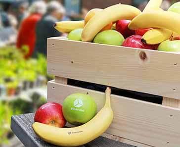 Middelgrote fruitkist met appels